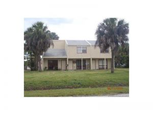 908 Shorewinds Dr. Fort Pierce, Florida - Hometaurus