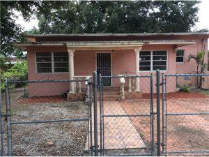 2360 NW 81st St. Miami, Florida - Hometaurus