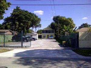 1863 NW 25th Ave. Miami, Florida - Hometaurus