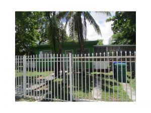 3430 NW 9th Ct. Miami, Florida - Hometaurus