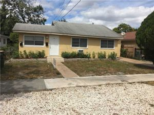 565 NE 131 St. North Miami, Florida - Hometaurus