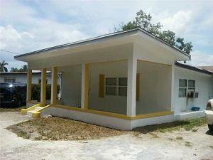 3771 Coconut Rd. Palm Springs, Florida - Hometaurus