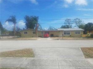 4214 Greenwood Ave. West Palm Beach, Florida - Hometaurus