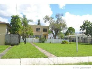 1944 Taylor St. Hollywood, Florida - Hometaurus