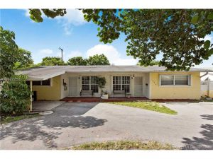 1740 NE 56th St. Fort Lauderdale, Florida - Hometaurus