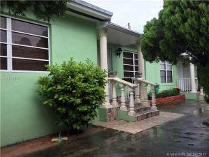 3330 NW 4th St. Miami, Florida - Hometaurus