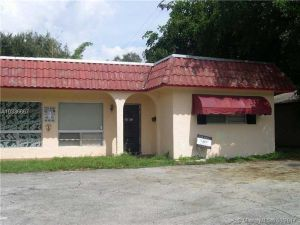 3671 Stirling Rd. Dania Beach, Florida - Hometaurus