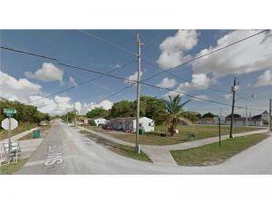 10290 SW 175th St. Miami, Florida - Hometaurus