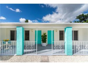 1245 NE 111 Street. Miami, Florida - Hometaurus