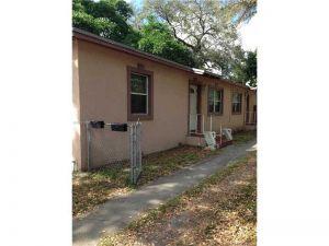2951 NW 14th St. Miami, Florida - Hometaurus