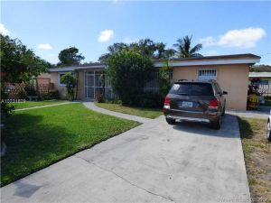 14520 NE 18th Ave. North Miami, Florida - Hometaurus