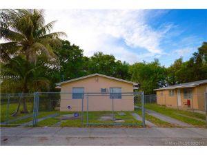 845 NW 80th St. Miami, Florida - Hometaurus