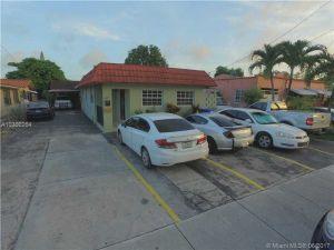 17601762 NW 6th St. Miami, Florida - Hometaurus