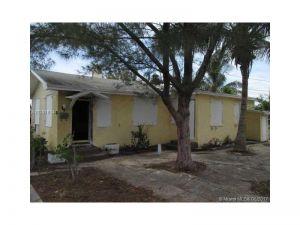 1011 S 10th Ave S. Lakeworth, Florida - Hometaurus