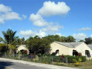 1017 N F St. Lakeworth, Florida - Hometaurus