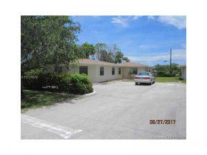 1717 NE 3rd Ave. Delray Beach, Florida - Hometaurus