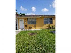 10954 SW 5th St. Sweetwater, Florida - Hometaurus