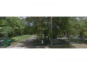 3091 Plaza St. Miami, Florida - Hometaurus