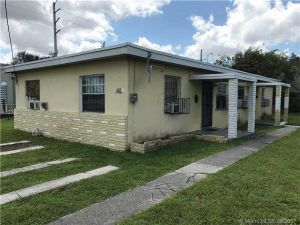 6720 NW 6th Ct. Miami, Florida - Hometaurus