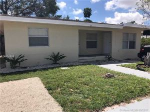 368 NW 42nd St. Oakland Park, Florida - Hometaurus