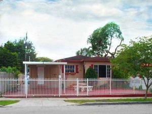 30 NW 41st St. Miami, Florida - Hometaurus