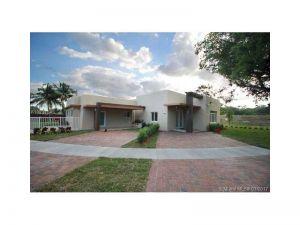 3300 SW 69th Ave. Miami, Florida - Hometaurus