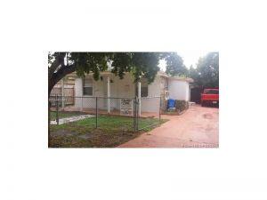 5738 Garfield St. Hollywood, Florida - Hometaurus