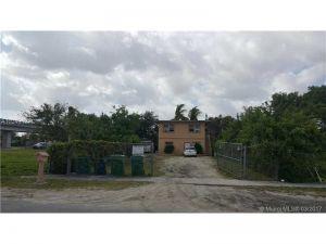2720 NW 57th St. Miami, Florida - Hometaurus