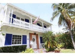 242 SW 21 Road. Miami, Florida - Hometaurus