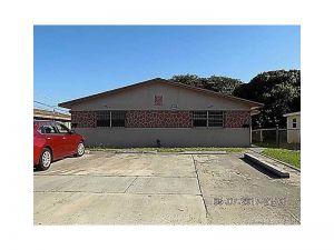 11481 SW 214th St. Miami, Florida - Hometaurus