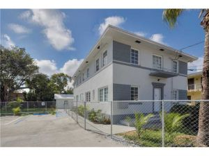 450 NE 62nd St. Miami, Florida - Hometaurus