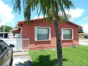 436 NW 23rd Ct. Miami, Florida - Hometaurus
