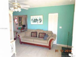 6910 5 Pl. Miami, Florida - Hometaurus
