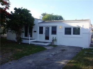 1820 Roosevelt St. Hollywood, Florida - Hometaurus