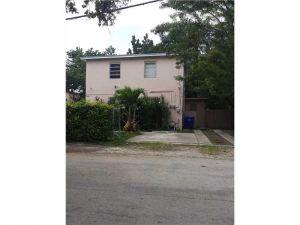 2220 SW 31st Ave. Miami, Florida - Hometaurus