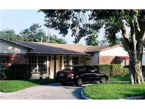 104 NE 9th Ave. Deerfield Beach, Florida - Hometaurus
