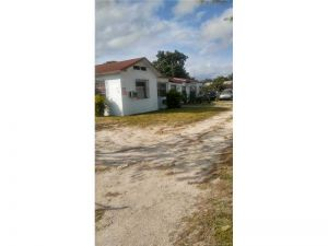 511 NW 133rd St. North Miami, Florida - Hometaurus