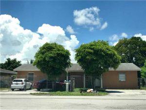 1912022 SW 113th Pl. Miami, Florida - Hometaurus