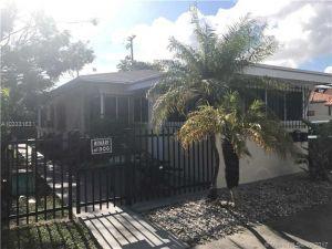 832 SW 29th Ave. Miami, Florida - Hometaurus