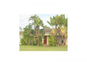 11221 NE 9 Ct. Biscayne Park, Florida - Hometaurus
