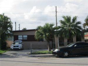840 NW 44th Ave. Miami, Florida - Hometaurus