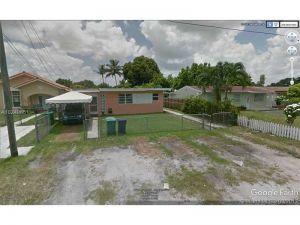 296 Northwest Dr. Miami, Florida - Hometaurus