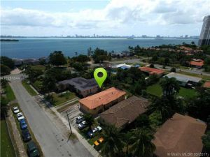 1624 NE 109 St. Miami, Florida - Hometaurus