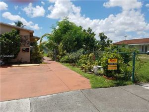 2170 W 4th Ct. Hialeah, Florida - Hometaurus