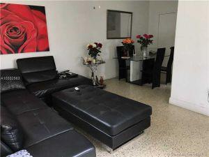 118 SW 71st Ave. Miami, Florida - Hometaurus