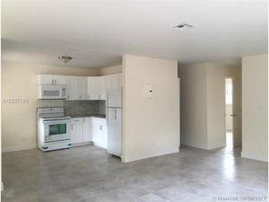 853 SW 9th Ct. Pompano Beach, Florida - Hometaurus