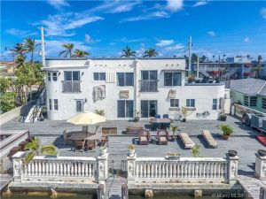 2200 N Ocean Dr. Hollywood, Florida - Hometaurus