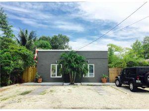 2440 NE 184th St. North Miami Beach, Florida - Hometaurus