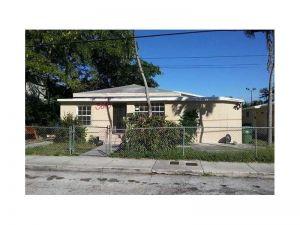 3643 Thomas Ave. Miami, Florida - Hometaurus