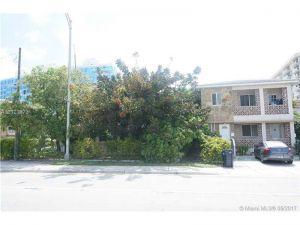 208 90th St. Surfside, Florida - Hometaurus